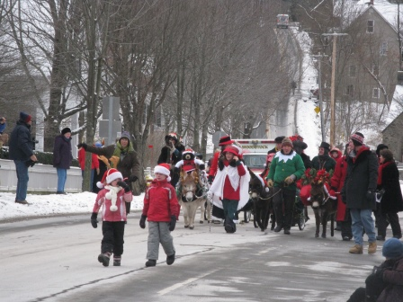 Wassail Parade in Woodstock Vermont 2013 | Dream New England